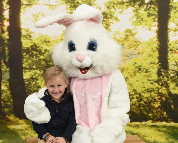 Free Photos with the Easter Bunny || Sarah Sofia Productions